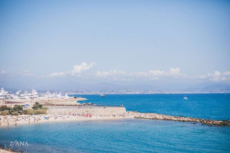 relaxed wedding beach Antibes Cote d'Azur France